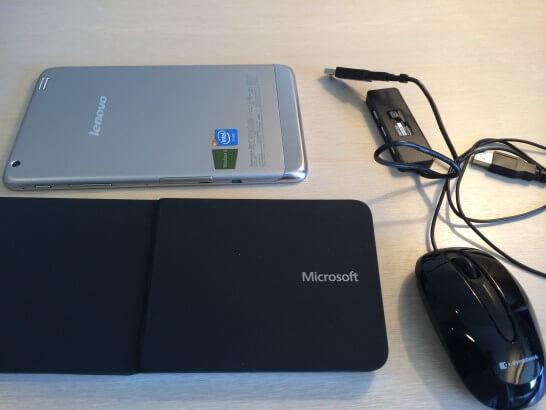 8インチWindowsタブレットとBluetoothキーボード
