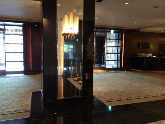 山崎製パンの株主総会の会場の入り口