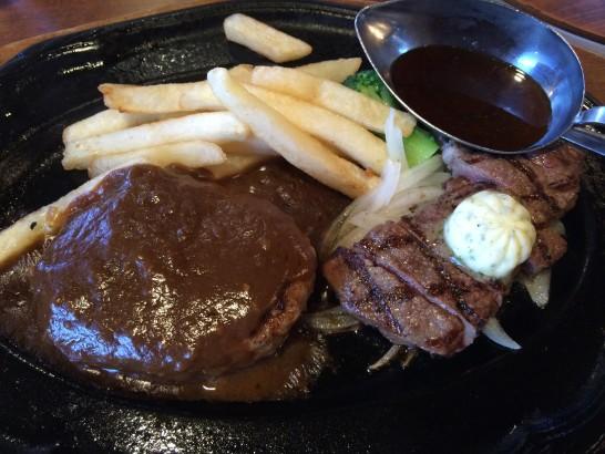 肉の万世のハンバーグとカットステーキ