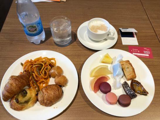 シェラトン都ホテル東京のクラブラウンジのティータイム