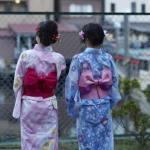 浴衣姿の女性2人