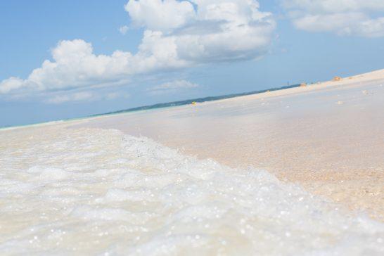 宮古島の前浜ビーチと波