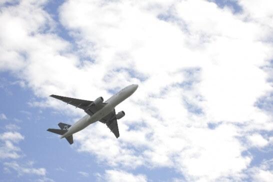 空をとぶ飛行機