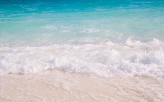 沖縄の砂浜と海