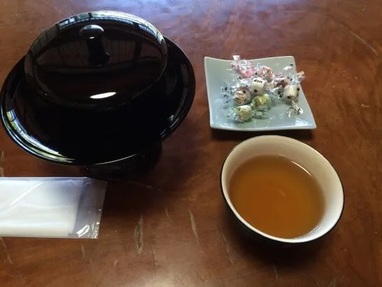 アメックス・ゴールドの京都特別観光ラウンジのお茶菓子