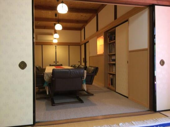 京都ラウンジの洋室