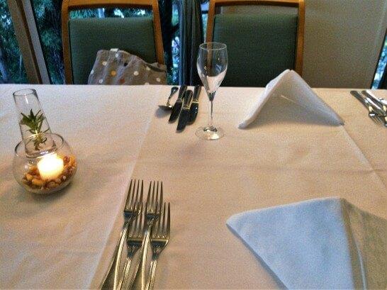 プリミ・バチのテーブル