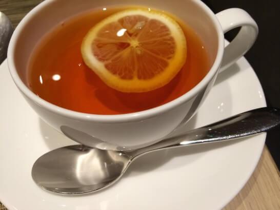 フライヤーズテーブルの紅茶
