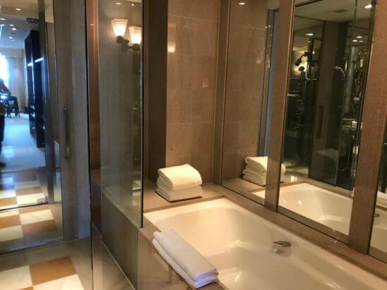 パークハイアット東京のスイートルームのバスルーム