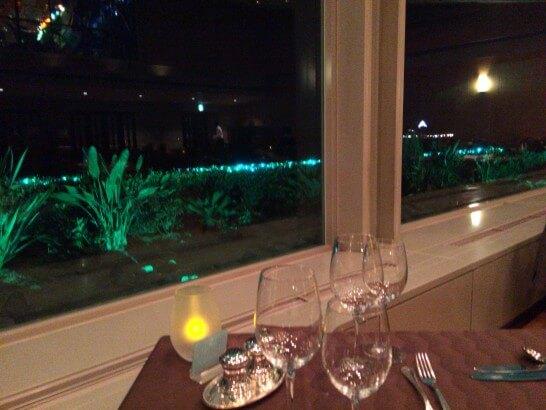 鎌倉プリンスホテルのル・トリアノンの窓際席