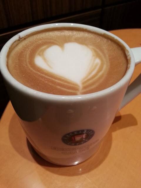 エクセルシオールカフェのカフェラテ
