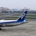 ANAの飛行機とJALの飛行機