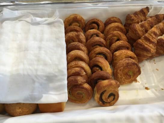 フォレスト・イン昭和館のランチブッフェのパン