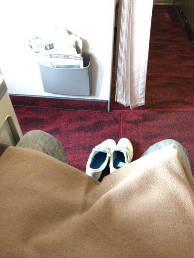 JALファーストクラスの広い空間