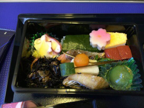 ANAプレミアムクラス(伊丹→羽田)の機内食(夕食)