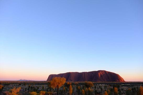 オーストラリアのウルル・カタジュタの日の出