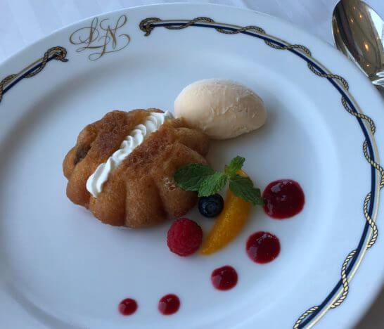 ホテルニューグランドのル・ノルマンディのデザート
