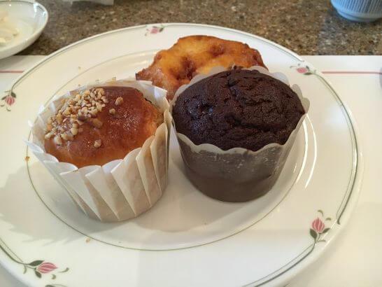ロイヤルパークホテルの朝食 (フレンチトースト・マフィン)