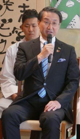 平井伸治鳥取県知事