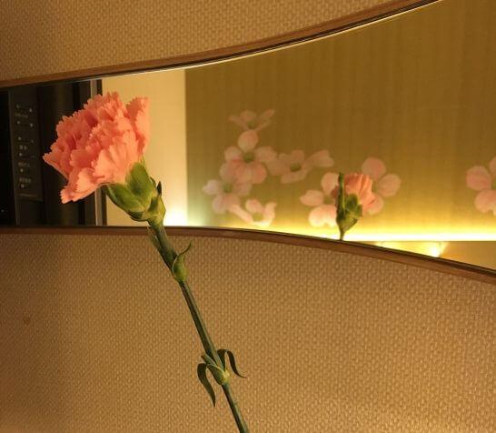 母の日にレストランでもらった一輪の花