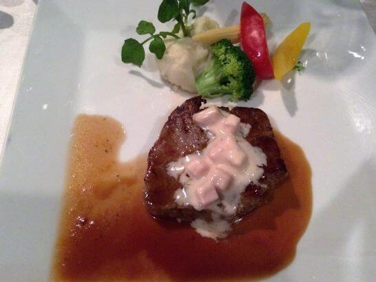 勝沼ぶどうの丘の夕食(お肉料理)