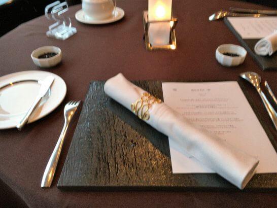 横浜ベイシェラトン ホテル&タワーズのベイ・ビューのテーブル
