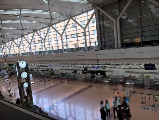羽田空港のエアポートラウンジ(3階) の窓からの眺め