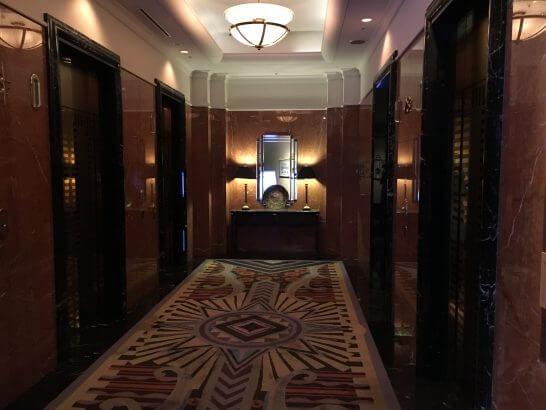 横浜ベイシェラトン ホテル&タワーズのベイ・ビューのフロアのエレベーターホール