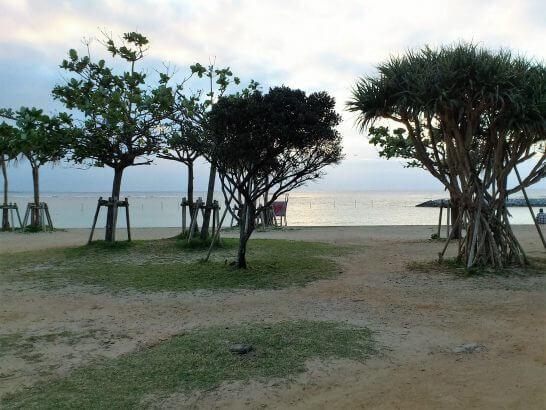 ザ・ビーチタワー沖縄の近くの海