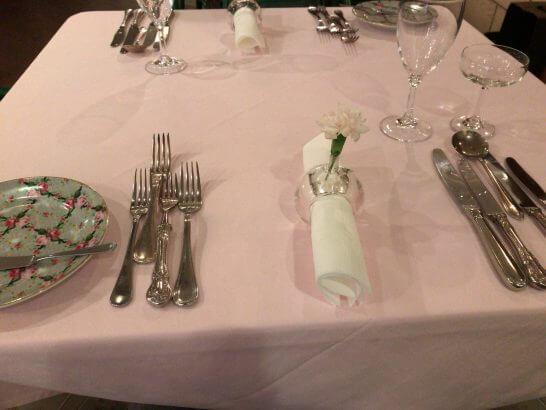 マーヴェラス パラディ白金のテーブル