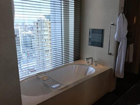 セントレジスホテル大阪のバスタブ