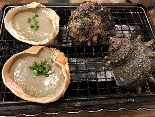 磯丸水産のサザエの壺焼き