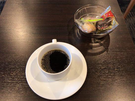 イオンラウンジのお菓子とコーヒー
