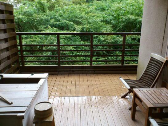 水の音の客室露天風呂