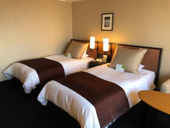 グランヴィアホテル京都のスタンダードツインルームのベッド