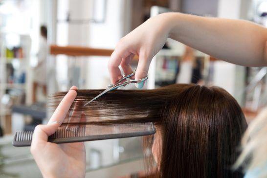 美容室でのヘアカット