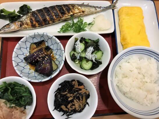 フジオフードシステムのレストランの食事