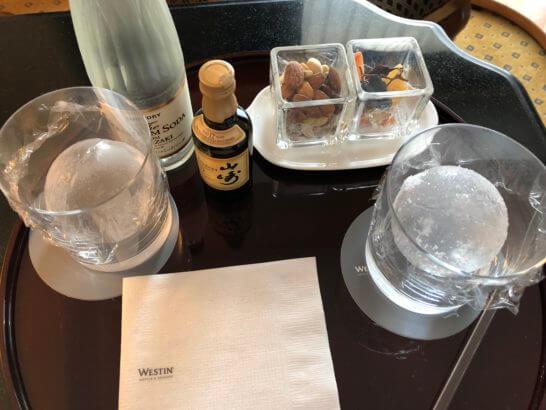 ウェスティンホテル東京のSPGプラチナ会員のウェルカムギフト(山崎ウイスキーとおつまみセット)