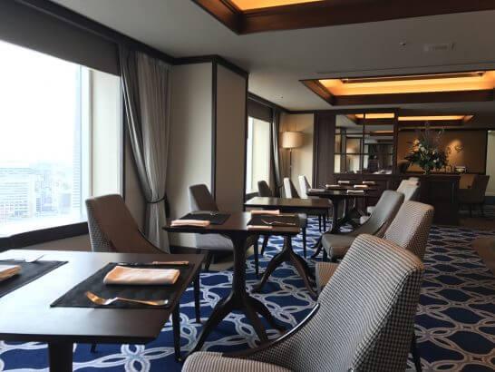横浜グランドインターコンチネンタルホテルのクラブラウンジ(朝食時・椅子席)