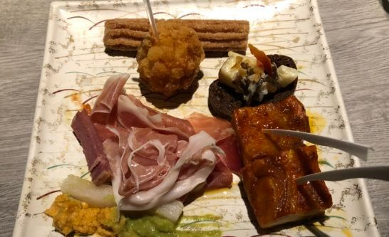 東京マリオットホテルのエグゼクティブラウンジの食品