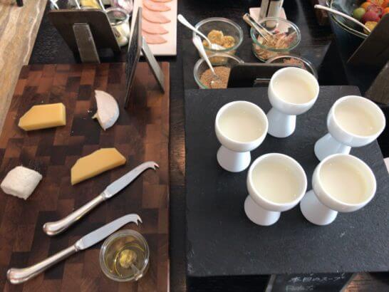 ホライゾンクラブラウンジの朝食 (チーズ)
