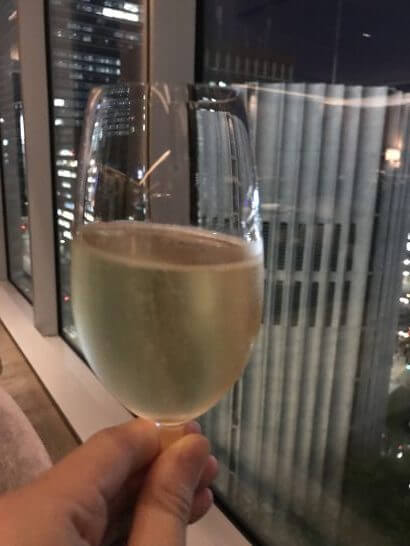 フォーシーズンズホテル丸の内 東京のモティーフのシャンパン