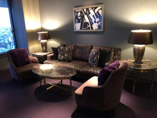 東京マリオットホテルのエグゼクティブラウンジのソファー