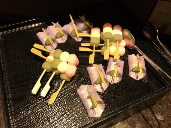 東京マリオットのラウンジのアフタヌーンティーのお団子