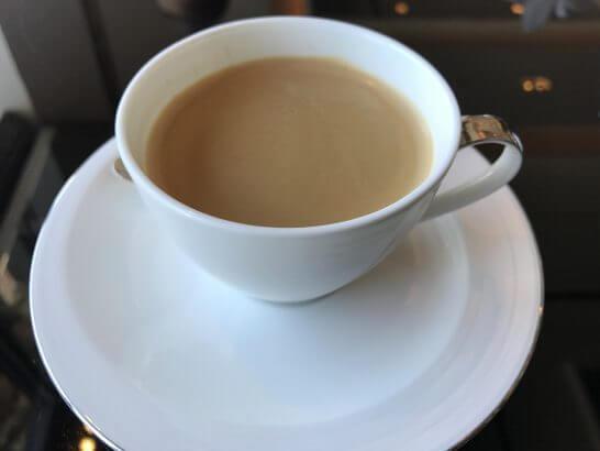 シャングリ・ラ ホテル 東京のホライゾンクラブラウンジのコーヒー