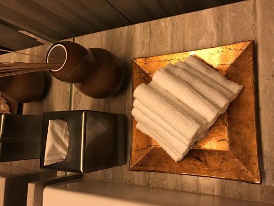 シャングリ・ラ ホテル 東京のホライゾンクラブラウンジのトイレ (1)