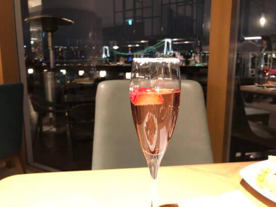 ヒルトン東京お台場のディナーブッフェのスパークリングワイン