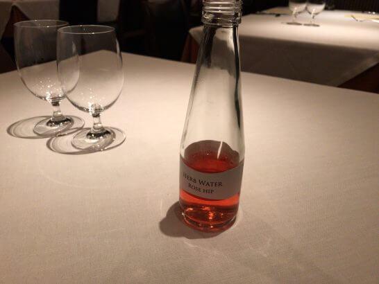 ジャッジョーロ銀座 (無農薬ハーブウォーター ローズヒップの瓶)