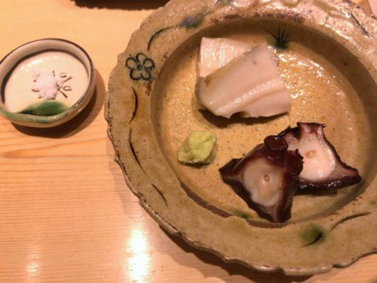 鮨さいとうの蒸し鮑と鮹の桜煮