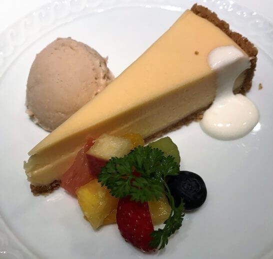ジャッジョーロ銀座 (チーズケーキとシナモンと生姜のシャーベット)